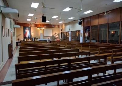 http://holyredeemerchurchklang.com/wp/wp-content/uploads/2017/09/chapel-pieta-01-400x280.jpg